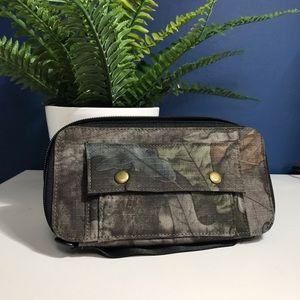 Handbags - Zipper Passport Wallet